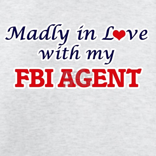 Madly in love with my Fbi Agent