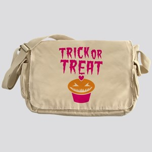 TRICK or TREAT cupcake scary! Halloween! Messenger