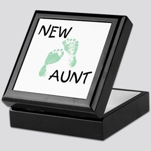 New Aunt (green) Keepsake Box