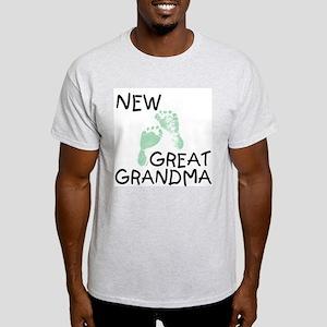 New Great Grandma (green) Ash Grey T-Shirt