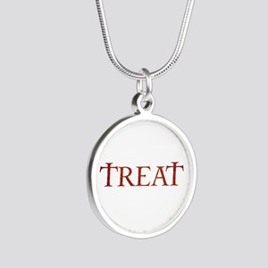 Celtic Treat Silver Round Necklace