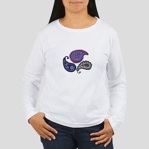 Textured Paisley Women's Long Sleeve T-Shirt