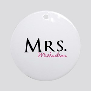 Your own name Mr and Mrs set - Mrs Ornament (Round