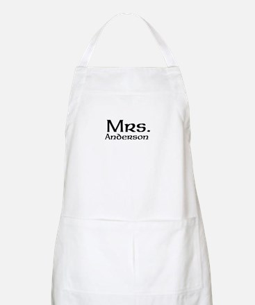 Personalized Mr and Mrs set - Mrs Apron