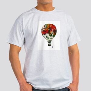 Hot Air Balloon in Silkscreen - RED T-Shirt