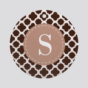 Quatrefoil Pattern Brown and White with Monogram O