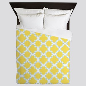 Quatrefoil Pattern Yellow White and Aqua Queen Duv