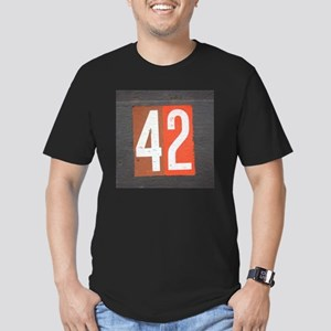 42 Men's Fitted T-Shirt (dark)