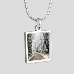 2009_06 Silver Square Necklace