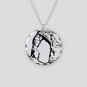 DelicateArchUtahForBlack Necklace Circle Charm