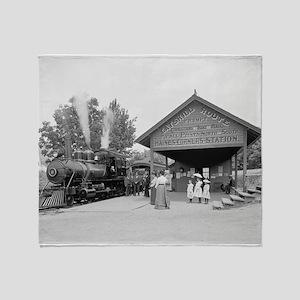 Catskill Mountains Railroad Station, 1902 Throw Bl