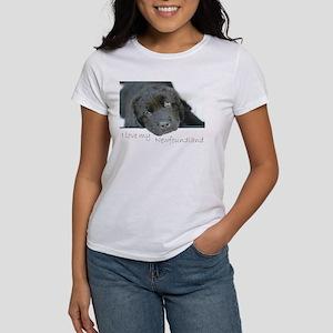I love my Newfoundland puppy Women's T-Shirt