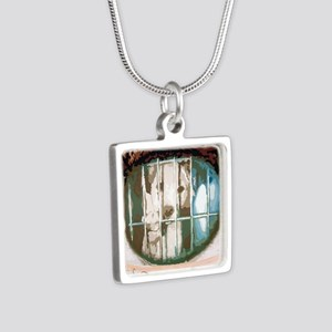 puppys eyes Silver Square Necklace