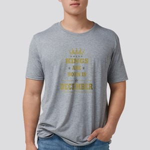 king are born in jauary T-Shirt