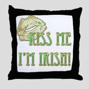 St. Patricks Day, Kiss Me! Throw Pillow