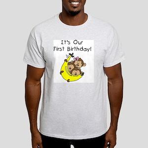 MONKEYTRIP1STBDAY Light T-Shirt