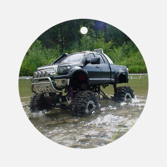 TUNDRAS DAY OUT Round Ornament