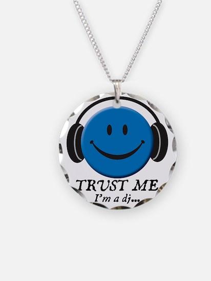 3-trust-me Necklace