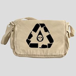 oil_spill_point_skull_02 Messenger Bag