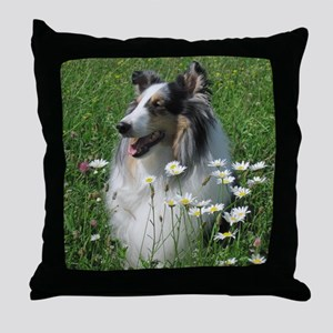z w daisy Throw Pillow