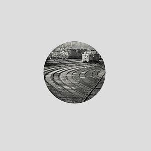 RR--Switching Tracks-1977- Ottumwa-Iow Mini Button