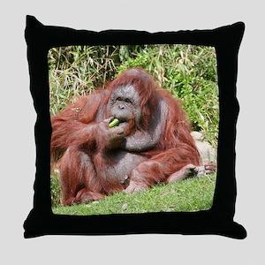 OrangUtan006 Throw Pillow