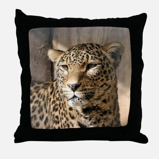 Leopard001 Throw Pillow