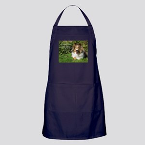 A heart that loves stays young forever Apron (dark