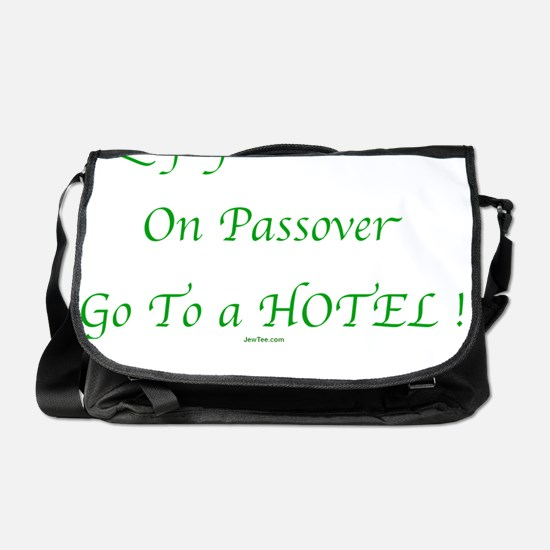 3-Passover Freedom flat Messenger Bag