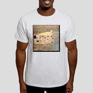 The_Kiss_Gustav_Klimt_2000pix_sig Light T-Shirt