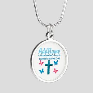 ADORING GRANDMA Silver Round Necklace