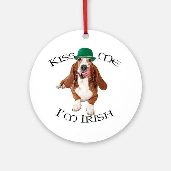 Basset Irish Kiss Round Ornament