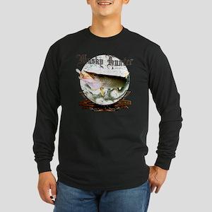 Musky hunter a Long Sleeve Dark T-Shirt