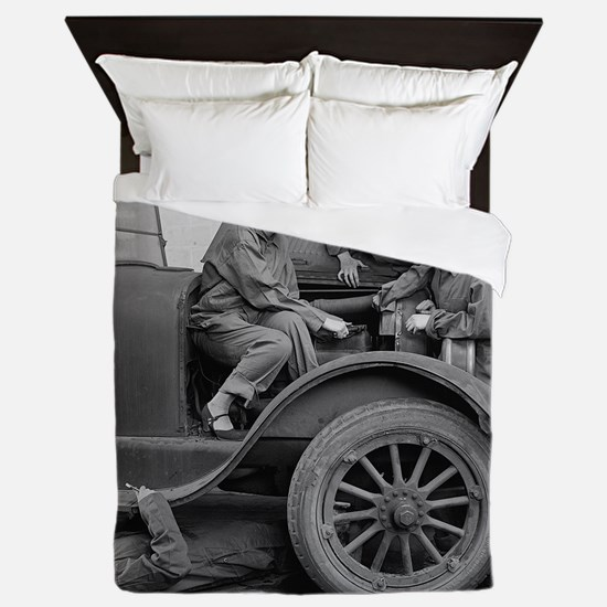 Young Lady Auto Mechanics Queen Duvet