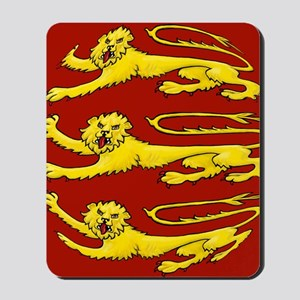 lion passant for round things Mousepad