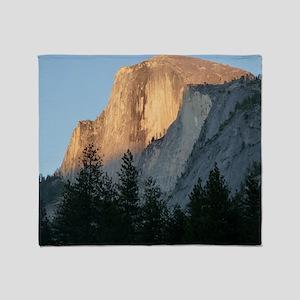 Yosemite_Half_Dome Throw Blanket