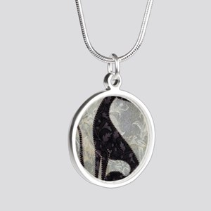 Sable Silver Round Necklace
