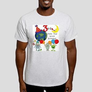 alienbday3 Light T-Shirt