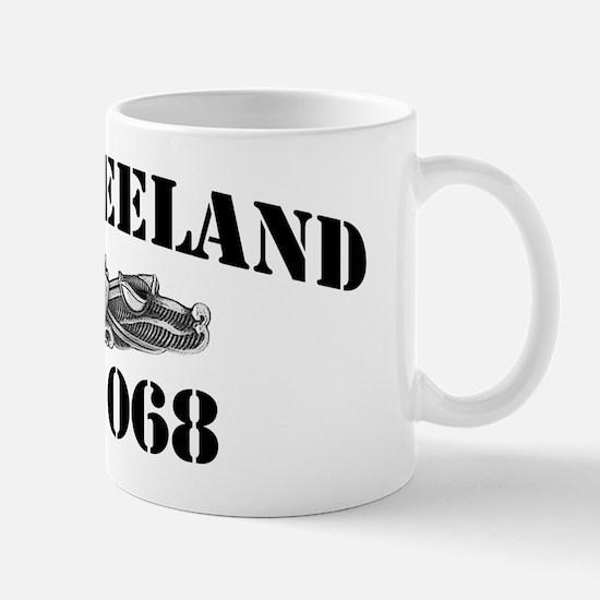 vreelandblacklettersde Mug