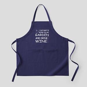 Work In Garden And Drink Wine T Shirt Apron (dark)