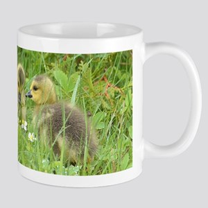 Goslings in clover Mug