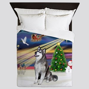 Xmas Magic (R) - Alaskan Malamute Queen Duvet