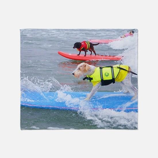 Helen Woodward surf contest Throw Blanket