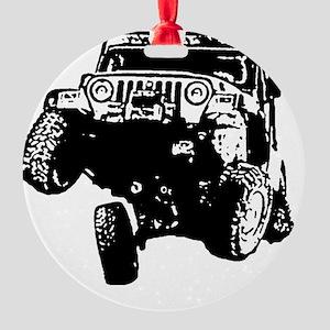 Jeep Wrangler Poser (TJ) Round Ornament