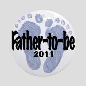Father to be 2011 Round Ornament