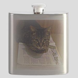 reading 8 x 10 Flask
