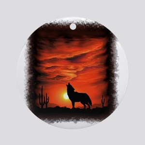 Coyote Howling Round Ornament