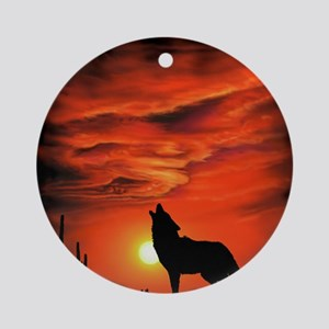 Coyote Howling tp Round Ornament