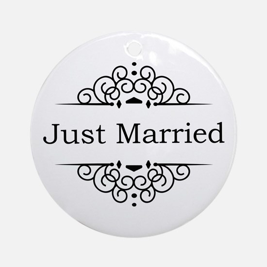 Just Married in Black Ornament (Round)