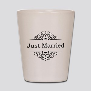 Just Married in Black Shot Glass